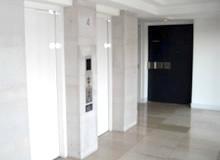 エレベーターホール(4F)